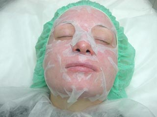 application of Plazan Placenta Collagen Mask image